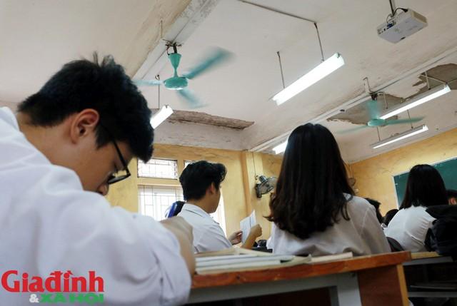 Theo thông tin phía trường nắm bắt, UBND thành phố Hà Nội đã đồng ý thông qua dự án xây dựng lại trường, nhưng thời gian cụ thể thì chưa nắm rõ.