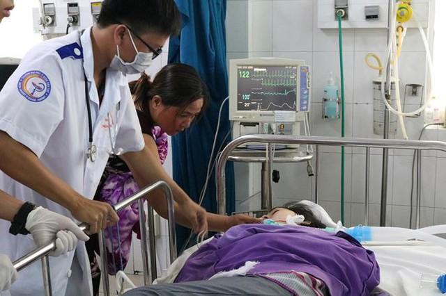 Tin mới nhất về sức khoẻ 25 công nhân bị ngộ độc khí gas, sùi bọt mép ở Cần Thơ
