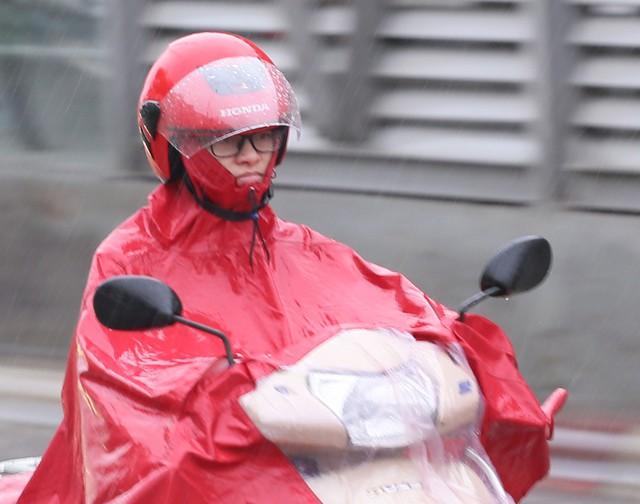 Theo Trung tâm dự báo khí tượng Thủy văn Trung ương, Hà Nội sẽ có mưa trong ngày 21/5.