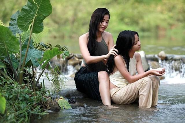 Maya vào vai mẹ của diễn viên nhí Thanh Mỹ trong phim Vợ ba.