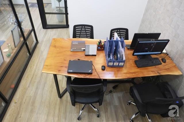 Không gian được thiết kế đậm chất văn phòng công sở, hiện đại và tiện ích.