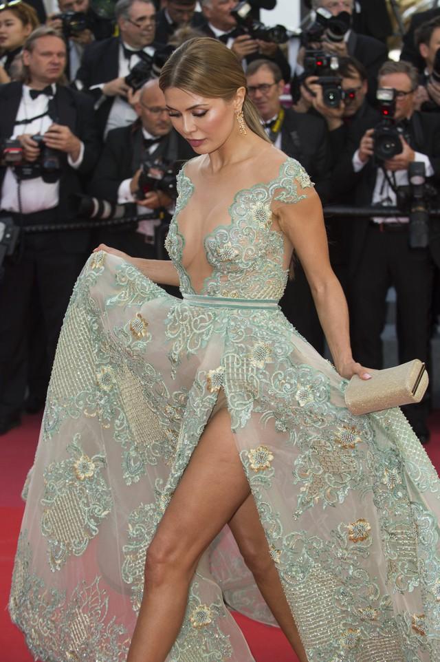 Đừng lo mình sẽ trở thành người đẹp hớ hênh nhất Cannes
