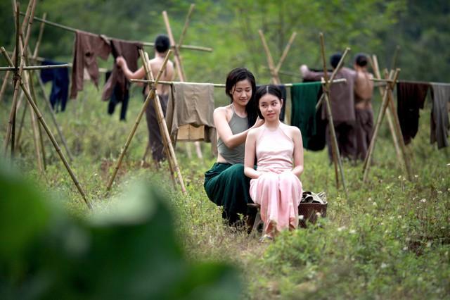 Diễn viên Maya và Trà My (13 tuổi) trong phim