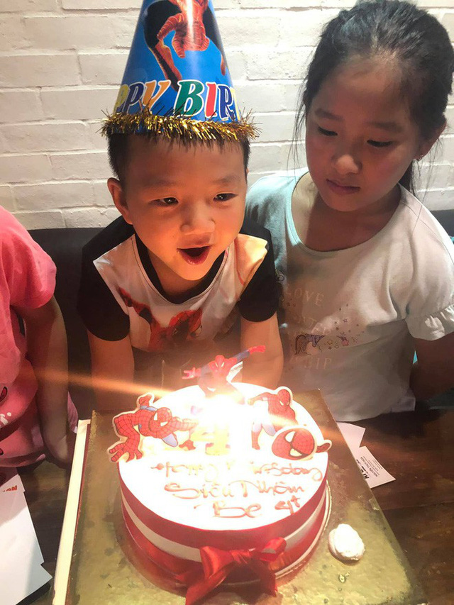 Trước đó, Chí Nhân cũng cùng gia đình tổ chức tiệc sinh nhật sớm cho con trai và không có sự xuất hiện của Thu Quỳnh.