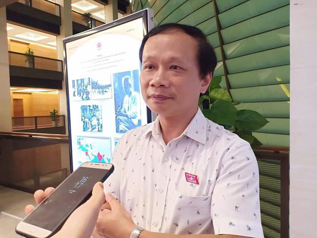 Đại biểu Phạm Tất Thắng trao đổi quanh bộ phim Vợ ba.