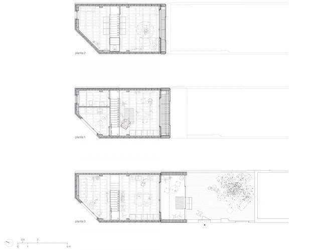 Bản vẽ thiết kế, mặt cắt ngang và dọc của ngôi nhà đặc biệt này.