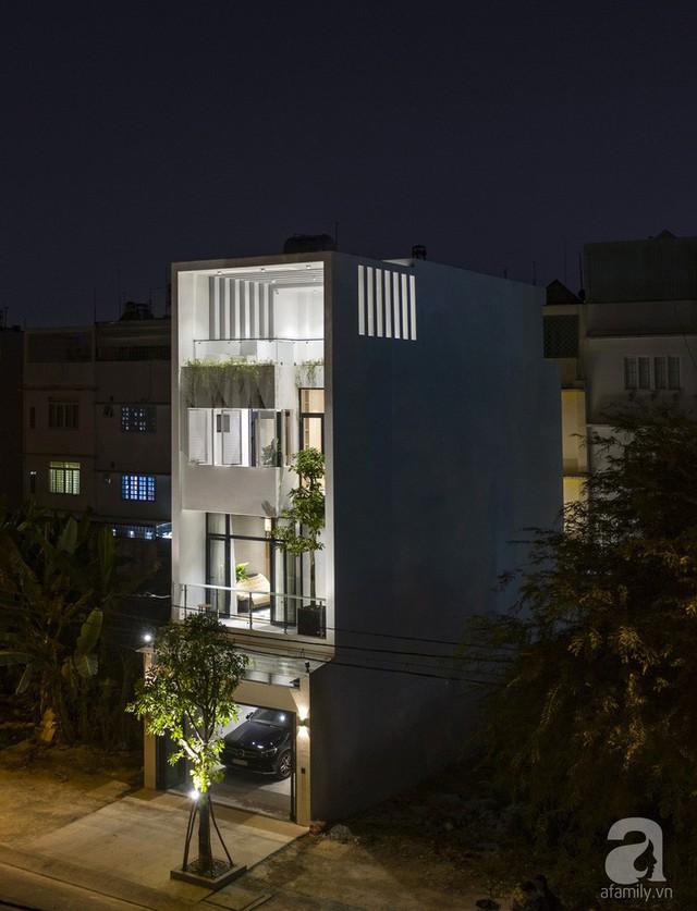 Không gian nhà phố đẹp ấn tượng vào buổi tối.