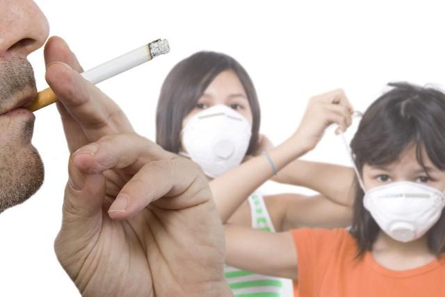 Trẻ nhỏ tiếp xúc với khói thuốc thụ động có nguy cơ bị phát bệnh hen suyễn