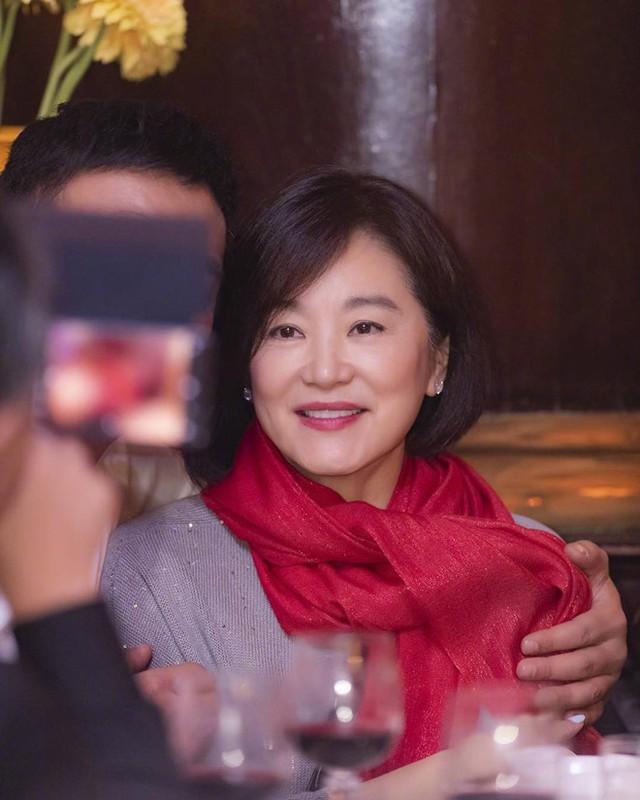 Ở tuổi 64, dẫu khuôn mặt đã có dấu hiệu tàn phá của thời gian, ở Lâm Thanh Hà vẫn toát lên vẻ đẹp đằm thắm, mặn mà. ẢNH: QQEIBO NV