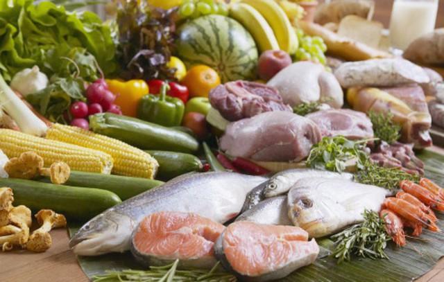 Những nguyên liệu tươi sống không bảo đảm an toàn dễ gây ngộ độc.