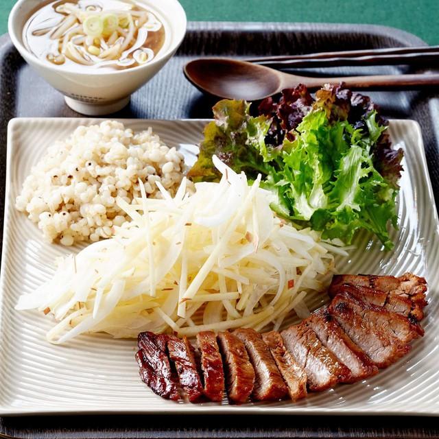 Chúc bạn có món thịt áp chảo ngon và đẹp như nhà hàng nhé!