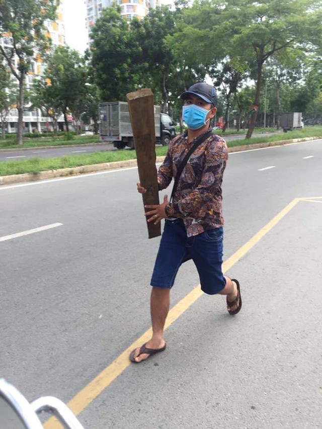 TP.HCM: Xác minh nhóm thanh niên đánh dân gần chốt CSGT - Ảnh 1.