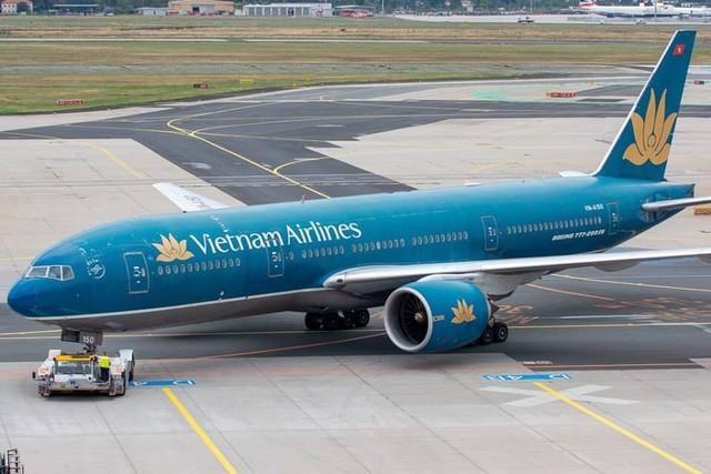 Nhiều người bức xúc trước việc delay chuyến bay quốc tế của Tổng Công ty Hàng không Việt Nam - Vietnam Airlines.