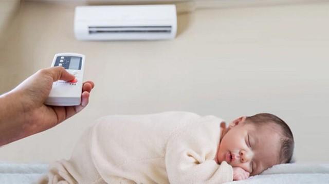 Duy trì nhiệt độ trong phòng khoảng 28oC khi có trẻ nhỏ. Ảnh minh họa