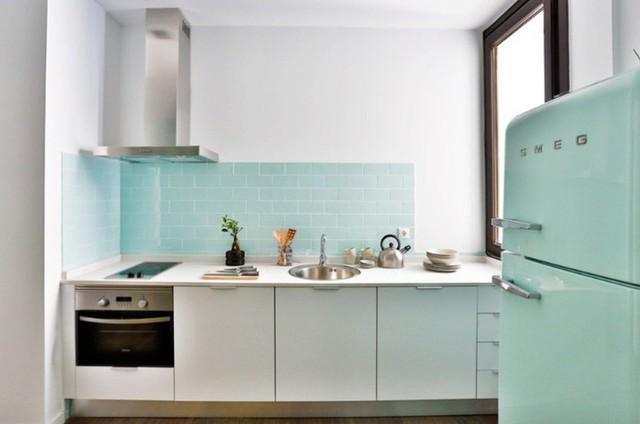Một tủ lạnh hơi hướng cổ điển thêm cá tính retro cho nhà bếp hiện đại.