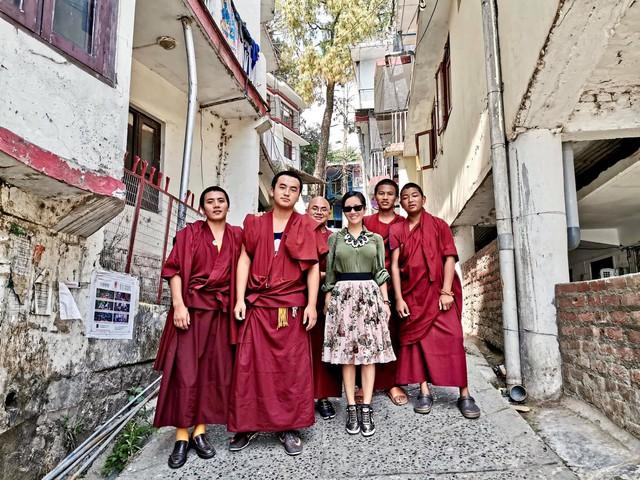 Hồng Nhung vừa có chuyến đi Ấn Độ để tu tập.