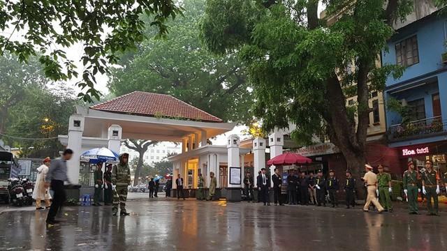 Lực lượng chức năng đã thắt chặt an ninh tại khu vực Nhà tang lễ quốc gia để phục vụ lễ tang.