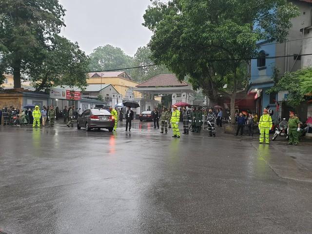 Lực lượng chức năng đã thắt chặt an ninh tại khu vực Nhà tang lễ quốc gia để phục vụ lễ tang. Ảnh: Cao Tuân
