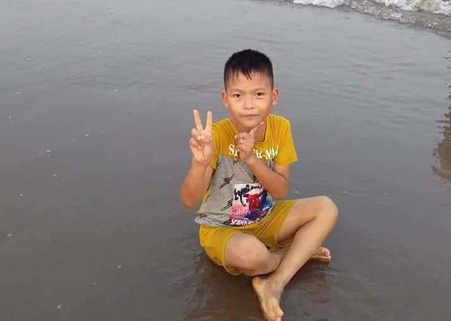 Đến sáng nay, cháu Dương được mọi người phát hiện tử vong trên sông Trà Lý do đuối nước. Ảnh: TL