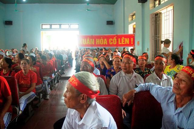 Hơn 300 cụ hào hứng tham gia hội thi.