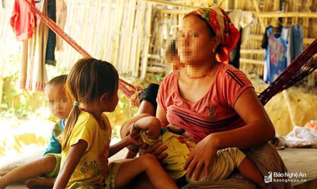 Do sống tách biệt trong rừng, hôn nhân cận huyết thường xảy ra ở bản Búng, xã Môn Sơn, huyện Con Cuông. Ảnh tư liệu