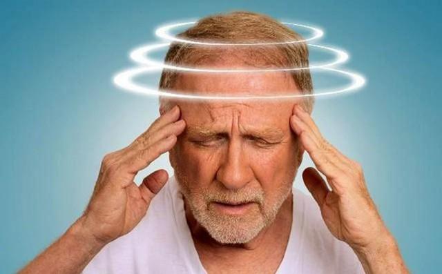 Chóng mặt là dấu hiệu cao huyết áp không thể xem thường