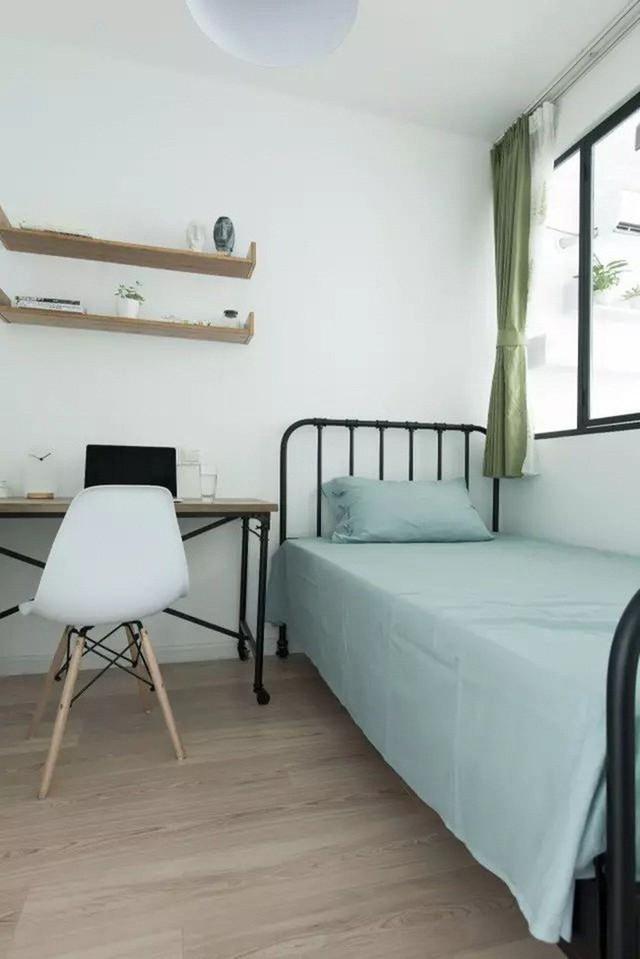 Phòng ngủ nhỏ tách biệt với các khu vực chức năng khác.