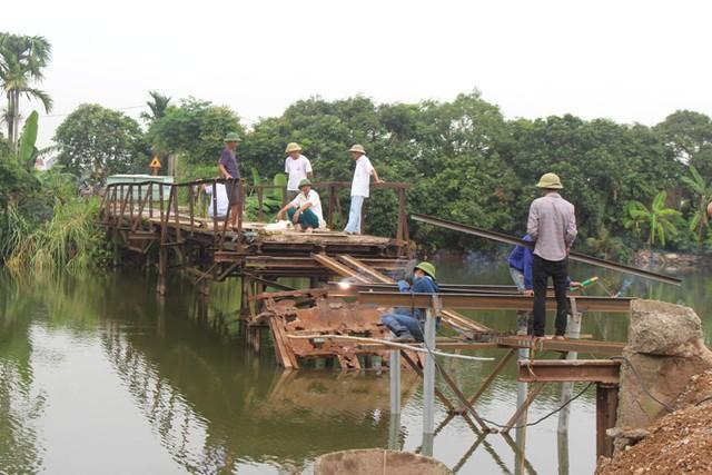 Hiện trạng cầu Bồng Lai sau khi bị đổ sập trong đêm 19/4
