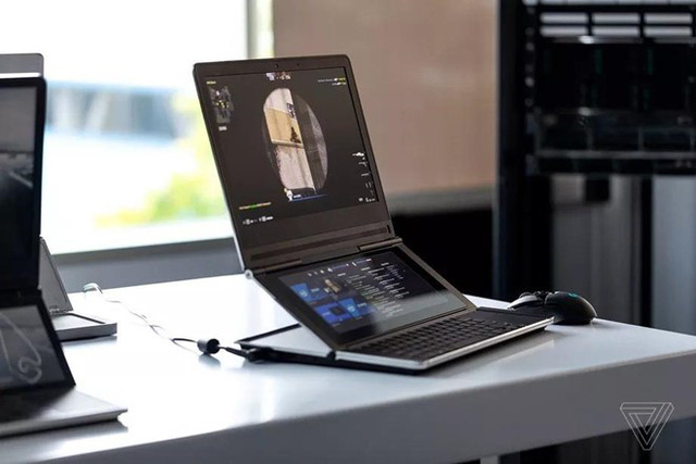Mẫu laptop Honeycomb Glacier của Intel có thiết kế vô cùng ấn tượng. Ảnh: The Verge.