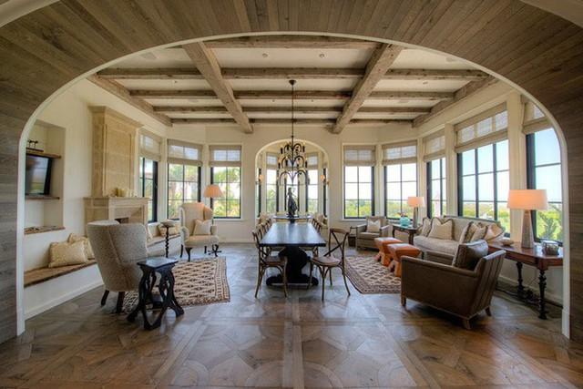 Một không gian nghỉ ngơi tuyệt vời dành cho các hoạt động tập thể vui chơi trong nhà bên những người bạn thân của gia đình.