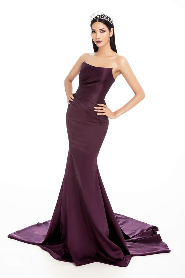 Chính thức trở thành đại diện của Việt Nam tại đấu trường nhan sắc lớn như Miss Universe 2019, Hoàng Thùy đang nỗ lực hoàn thiện bản thân