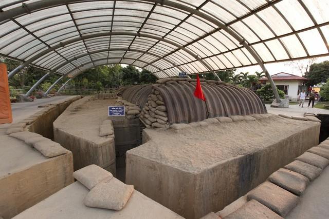 Khu di tích hầm chỉ huy của tướng De Castries tại Điện Biên Phủ. Ảnh: C.T