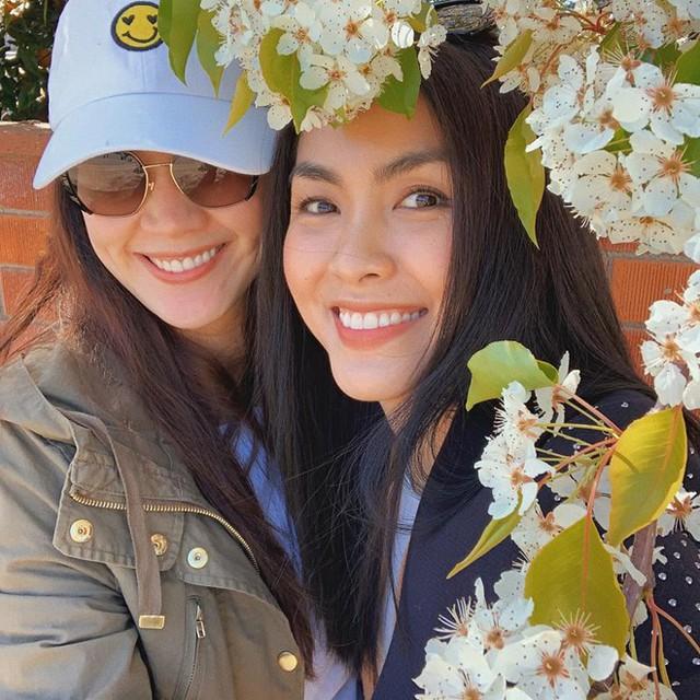 Tăng Thanh Hà từng sang tận Mỹ thăm Thân Thúy Hà khi nữ diễn viên mới sinh con gái đầu năm 2019.