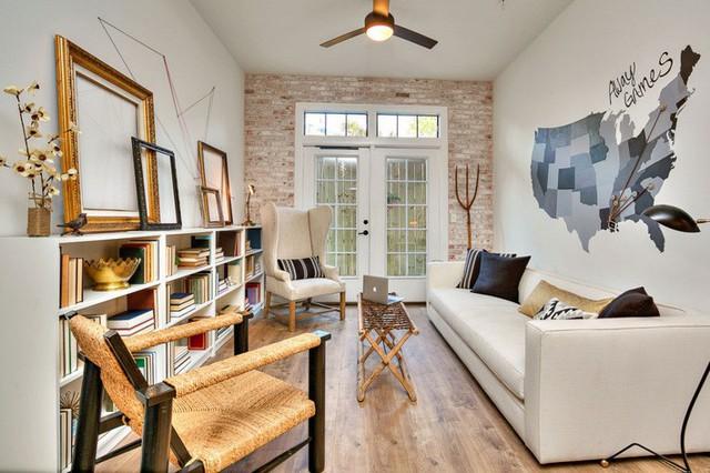 5. Một chiếc sofa nhỏ nhưng dài và một chiếc bàn nước dài có thể gấp gọn thực sự là điều bạn có thể tham khảo cho những phòng khách nhỏ, hẹp.