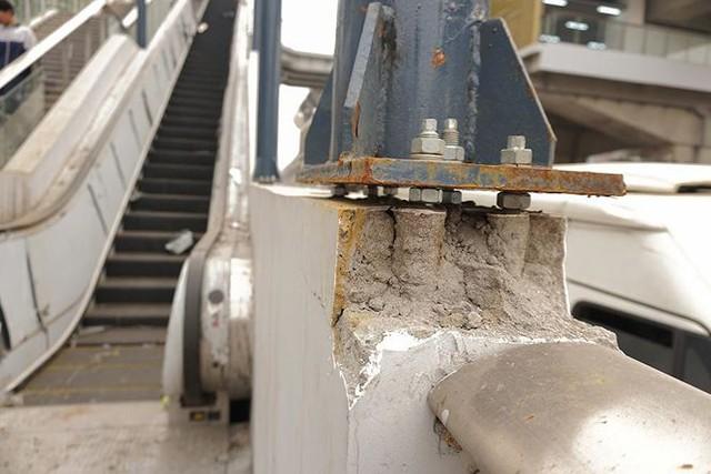 Dù chưa đi vào vận hành, thế nhưng nhiều hạng mục tại hệ thống đường sắt trên cao xuất hiện nhiều dấu hiệu hư hỏng.