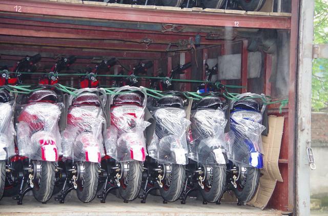 58 chiếc xe đạp điện không rõ nguồn gốc, xuất xứ đã được Phòng CSKT - Công an tỉnh Hưng Yên giao cho Chi cục QLTT ra quyết định tạm giữ để làm thủ tục tiêu huỷ theo quy định.