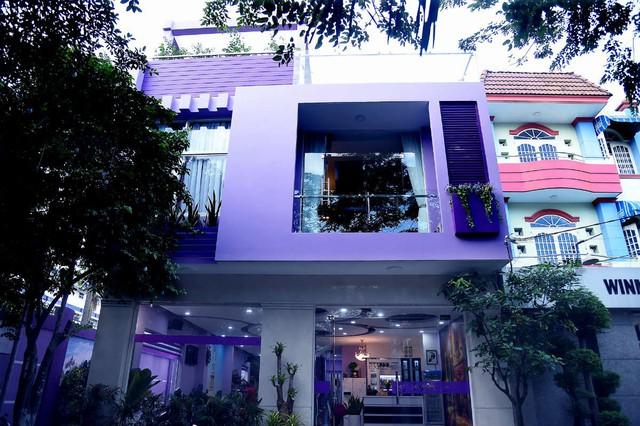 Căn biệt thự màu tím trị giá 20 tỷ đồng của nghệ sĩ Hồng Tơ tọa lạc ở quận Phú Nhuận (TPHCM)