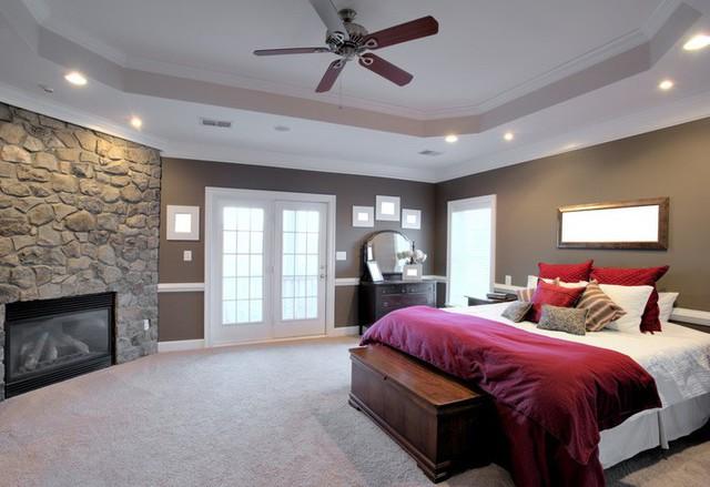 Giường ngủ là nơi nghỉ ngơi, vun đắp tình cảm, tránh đặt tủ đựng tiền phía dưới.