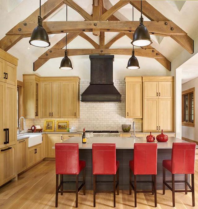 Bộ đèn thả vừa cung cấp thêm ánh sáng vừa tạo thêm điểm nhấn cho không gian nhà bếp.