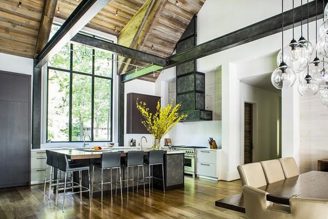 Với phần trần được nới rộng các gia đình thường lựa chọn để thiết kế cửa sổ.