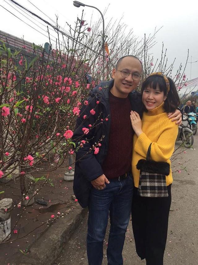 Trên trang cá nhân của mình, Phan Đăng thường chia sẻ những hình ảnh ngọt ngào bên người vợ trẻ trung.