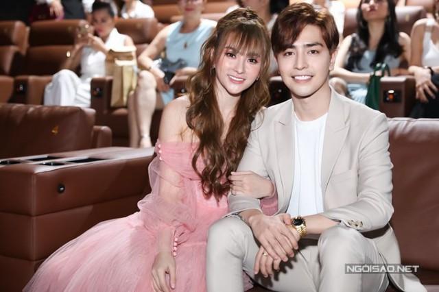Tại buổi ra mắt sản phẩm âm nhạc chiều 10/6, ca sĩ Thu Thủy chính thức công khai bạn trai mới . Đó là Kin Nguyễn, sinh năm 1994, hiện làm kinh doanh.