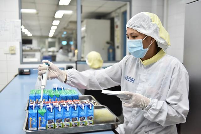 (Cô Gái Hà Lan nỗ lực nghiên cứu những sản phẩm dinh dưỡng cân bằng phù hợp nhu cầu trẻ em Việt Nam)