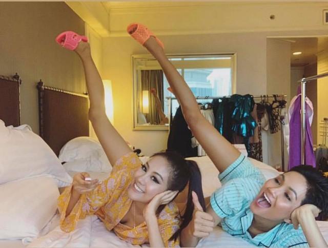 HHen còn tặng vật dụng bình dân này cho người bạn cùng phòng - Hoa hậu Hàn Quốc.