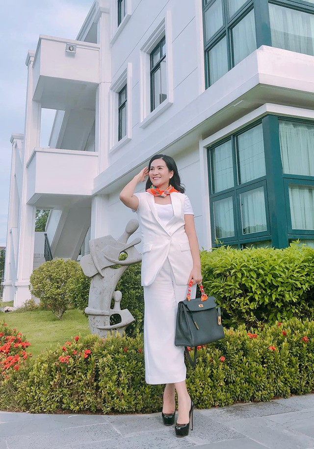 Bà xã Bình Minh thổ lộ: Sao đôi lúc mình cũng cô đơn quá thể.