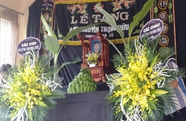 Lễ tang ông Hữu đang được gia đình, người thân cùng dòng họ tiến hành