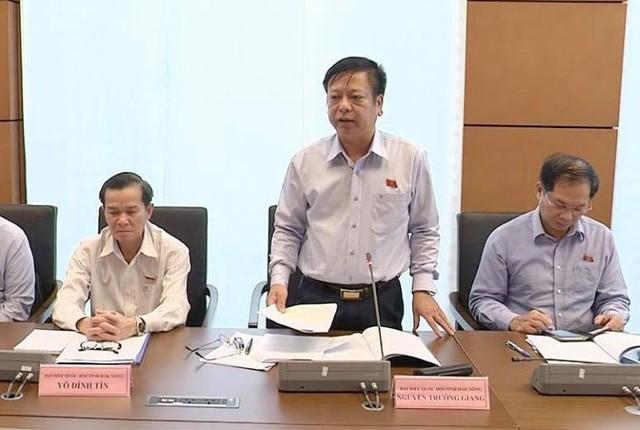 Đại biểu Quốc hội Nguyễn Trường Giang, Phó Chủ nhiệm Ủy ban Pháp luật của Quốc hội.