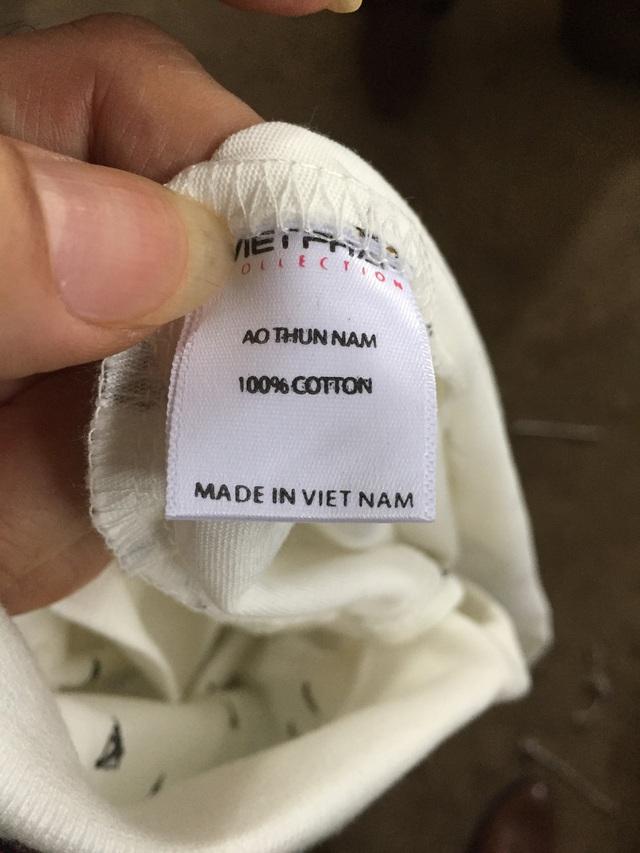 Lực lượng chức năng thu giữ hơn 600 áo phông do Trung Quốc sản xuất gắn nhãn mác Việt Nam.