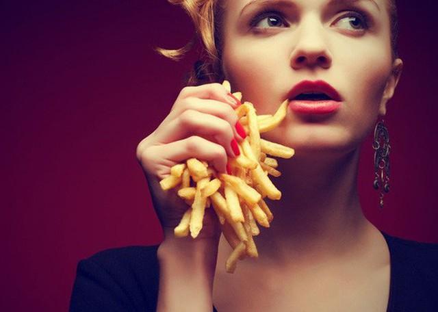 Khoai tây chiên, hambuger và các thức ăn nhanh gây hại không thể đảo ngược cho chức năng não bộ của bạn, dù bạn còn trẻ - ảnh minh họa từ internet