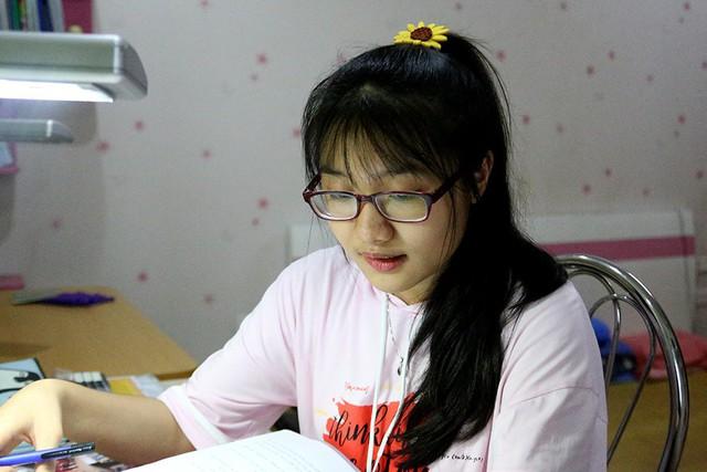 Nguyễn Thị Thanh Lam (lớp 9A10, Trường THCS Nghĩa Tân, quận Cầu Giấy) là thủ khoa thi lớp 10 của Hà Nội năm 2019.